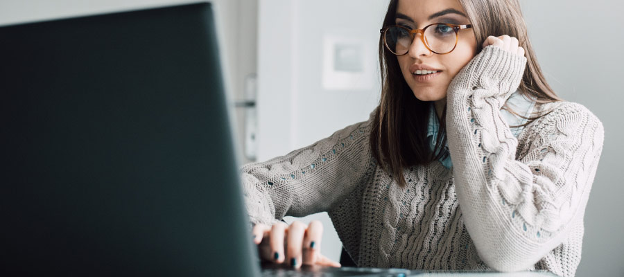 women using video meeting
